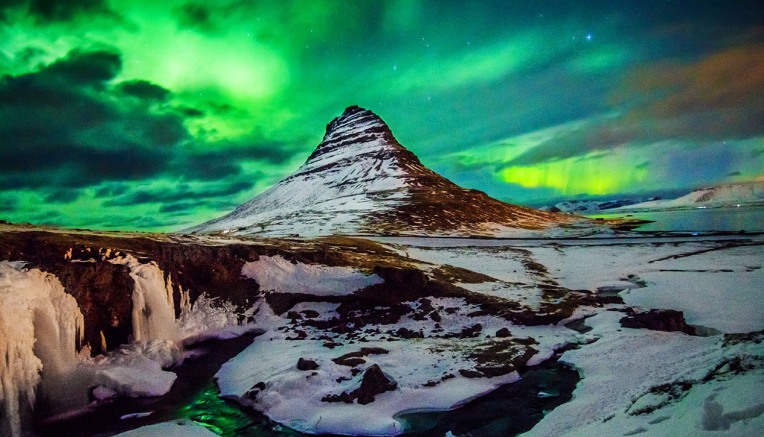 Views_Northern_Lights-531723851